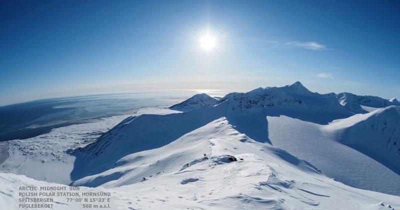 A 24 Hour Arctic Timelapse Where the Sun Never Sets