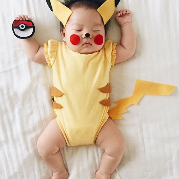 baby dress up costumes while she sleeps by laura izumikawa (13)