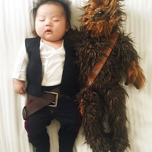 baby dress up costumes while she sleeps by laura izumikawa (7)