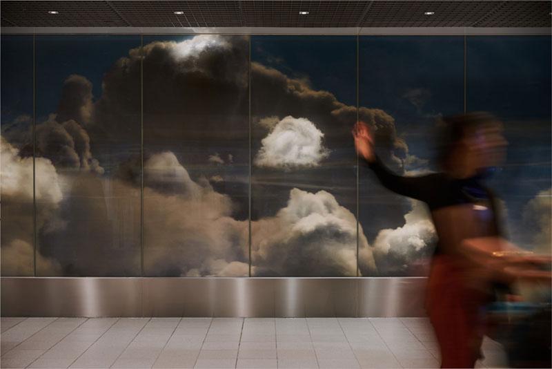 beyond by daan roosegaarde schiphol airport netherlands 4 Artist Unveils Worlds Largest Lenticular Print at Schiphol Airport
