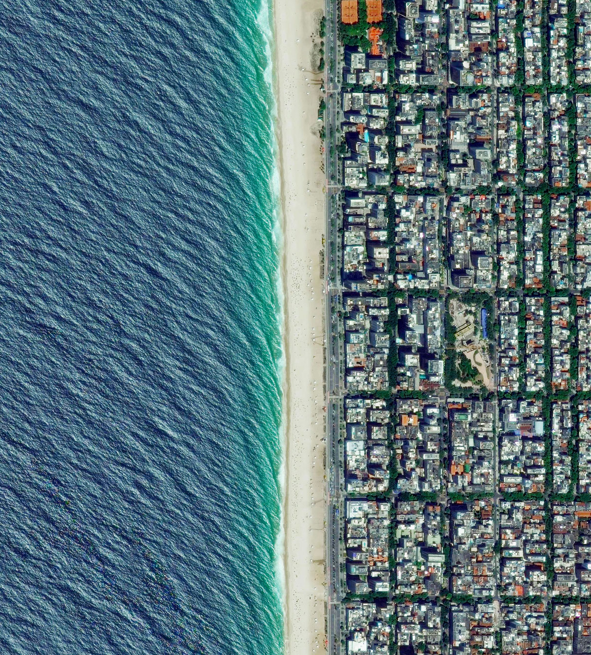20 ipanema beach 15 High Res Photos That Will Give You a New Perspective on Earth