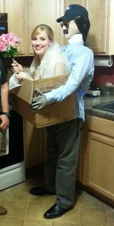 funny halloween costume ideas 15 25 People Who Totally Nailed Halloween