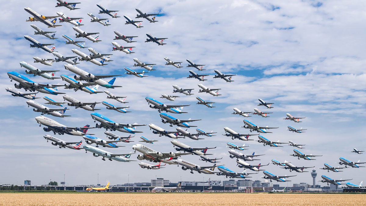 amsterdam schiphol 24 kaagbaan These Composites of Planes Taking Off and Landing Show How Connected the World Is