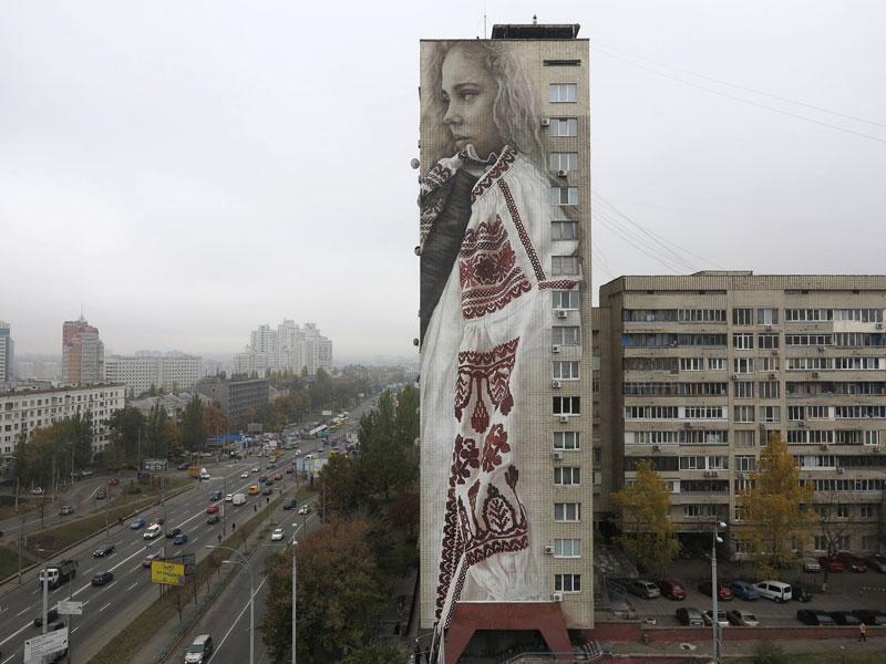 guido van helten street art 1 Colossal Humans by Guido Van Helten (12 Artworks)