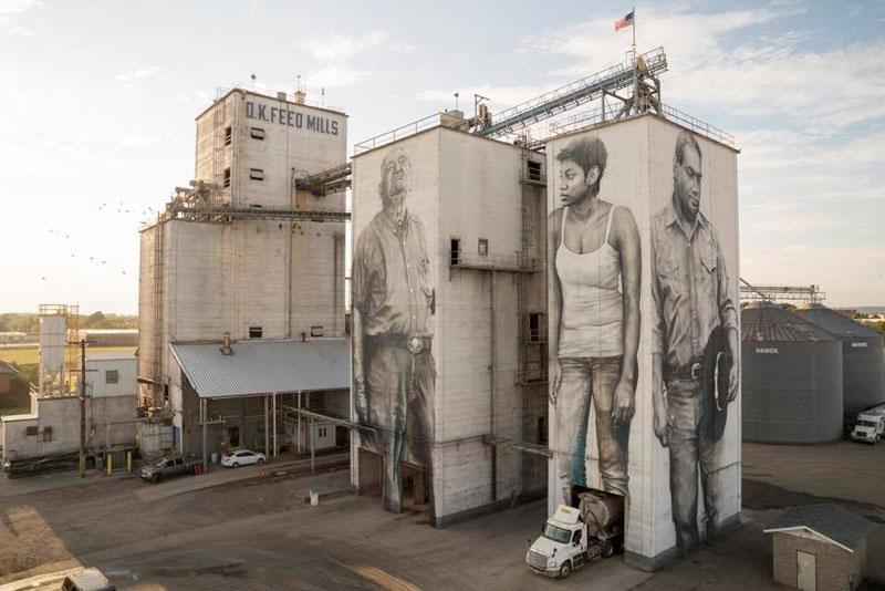 guido van helten street art 10 Colossal Humans by Guido Van Helten (12 Artworks)