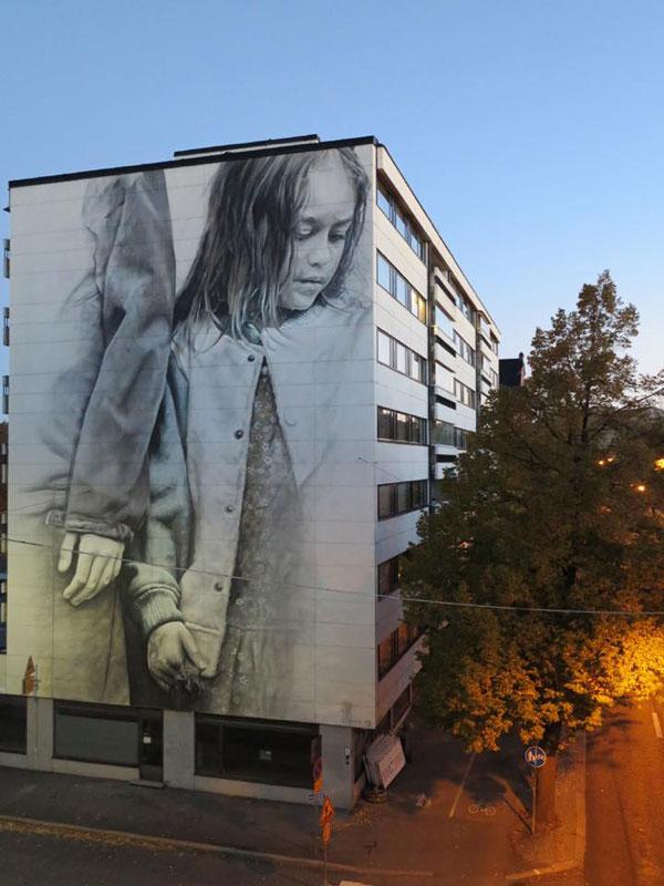guido van helten street art 11 Colossal Humans by Guido Van Helten (12 Artworks)