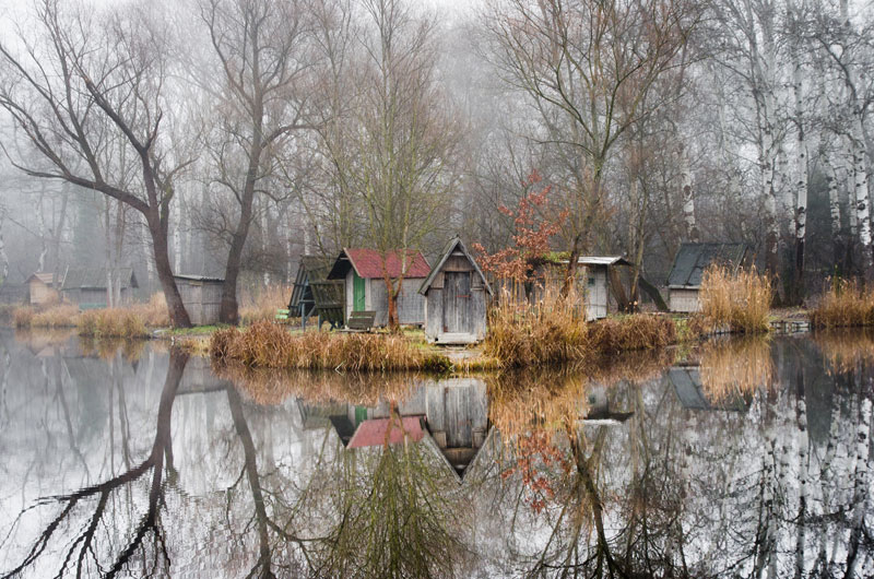 fishing lake in hungary looks frozen in time 9 This Hungarian Fishing Lake Looks Frozen in Time (11 Photos)