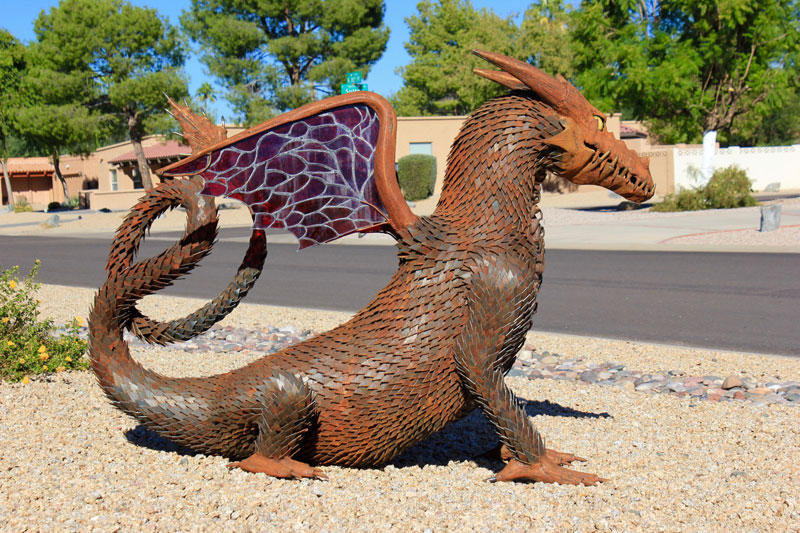 metal and river rock sculptures by ryan mccallister 3 Incredible Sculptures Made from Metal and River Rock