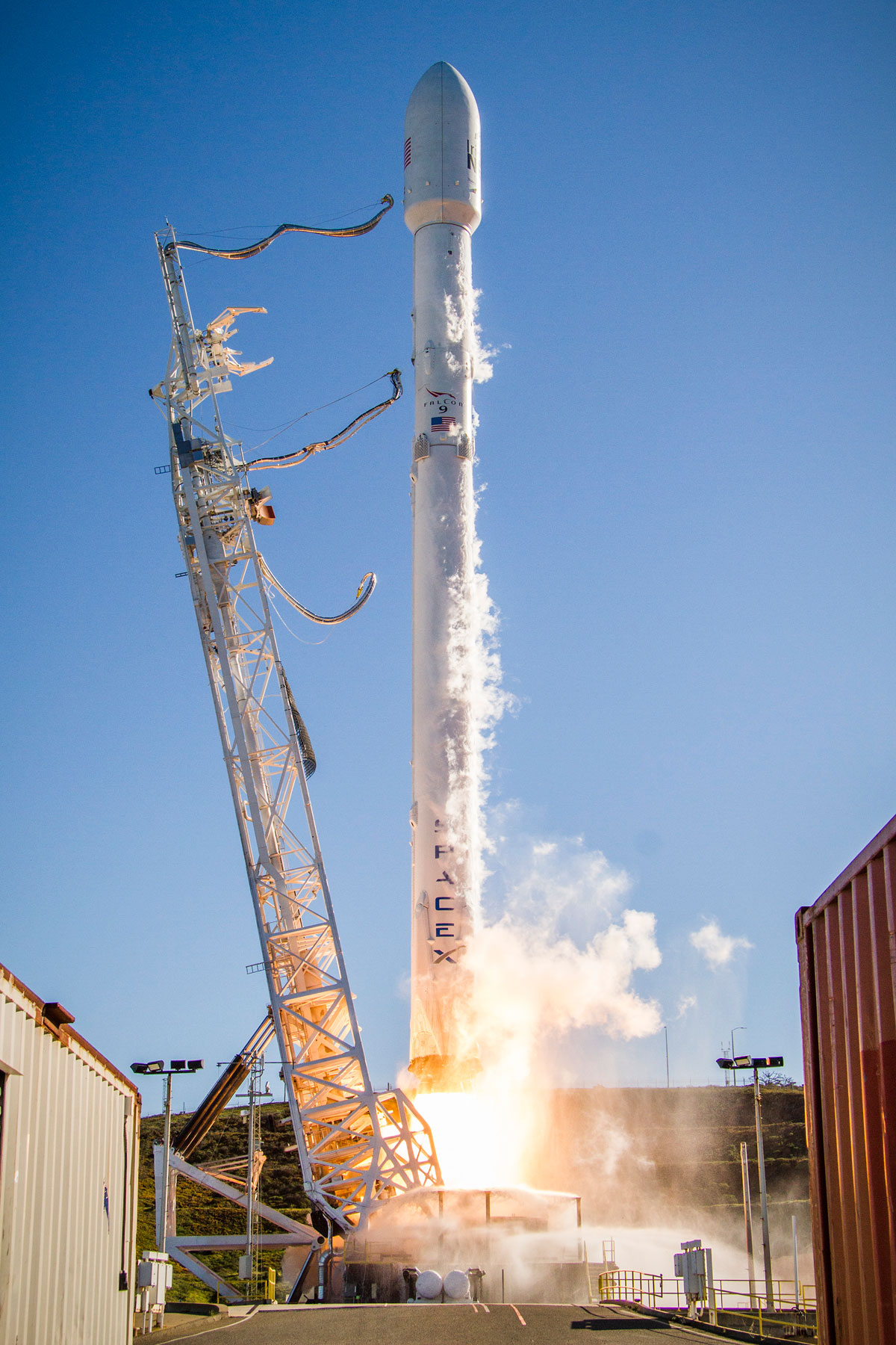 spacex launch and land january 2017 10 14 Amazing HQ Photos from SpaceXs Successful Launch and Landing