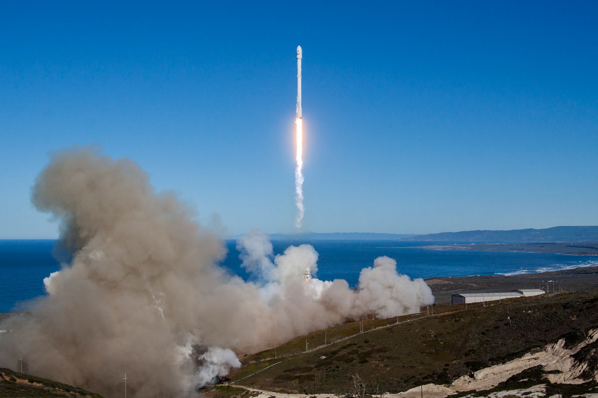 spacex launch and land january 2017 3 14 Amazing HQ Photos from SpaceXs Successful Launch and Landing