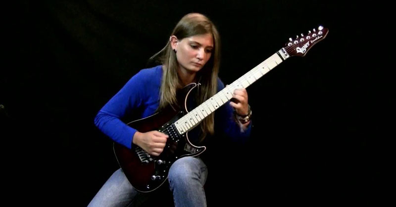17-Year-Old Guitar Prodigy Shreds Beethoven's Moonlight Sonata (3rd Movement)