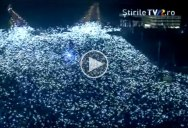The Symbolic Moment 300,000 Romanians Lit Up Their Phones to 'Shed Light on Corruption'
