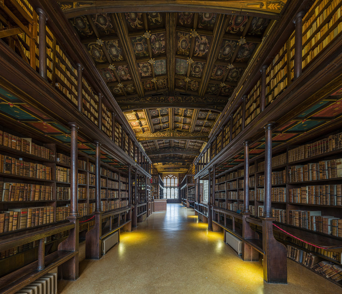 duke humfreys library bodleian libary university of oxford by david iliff 2 This Reading Room at the University of Oxford is One of the Oldest in Europe