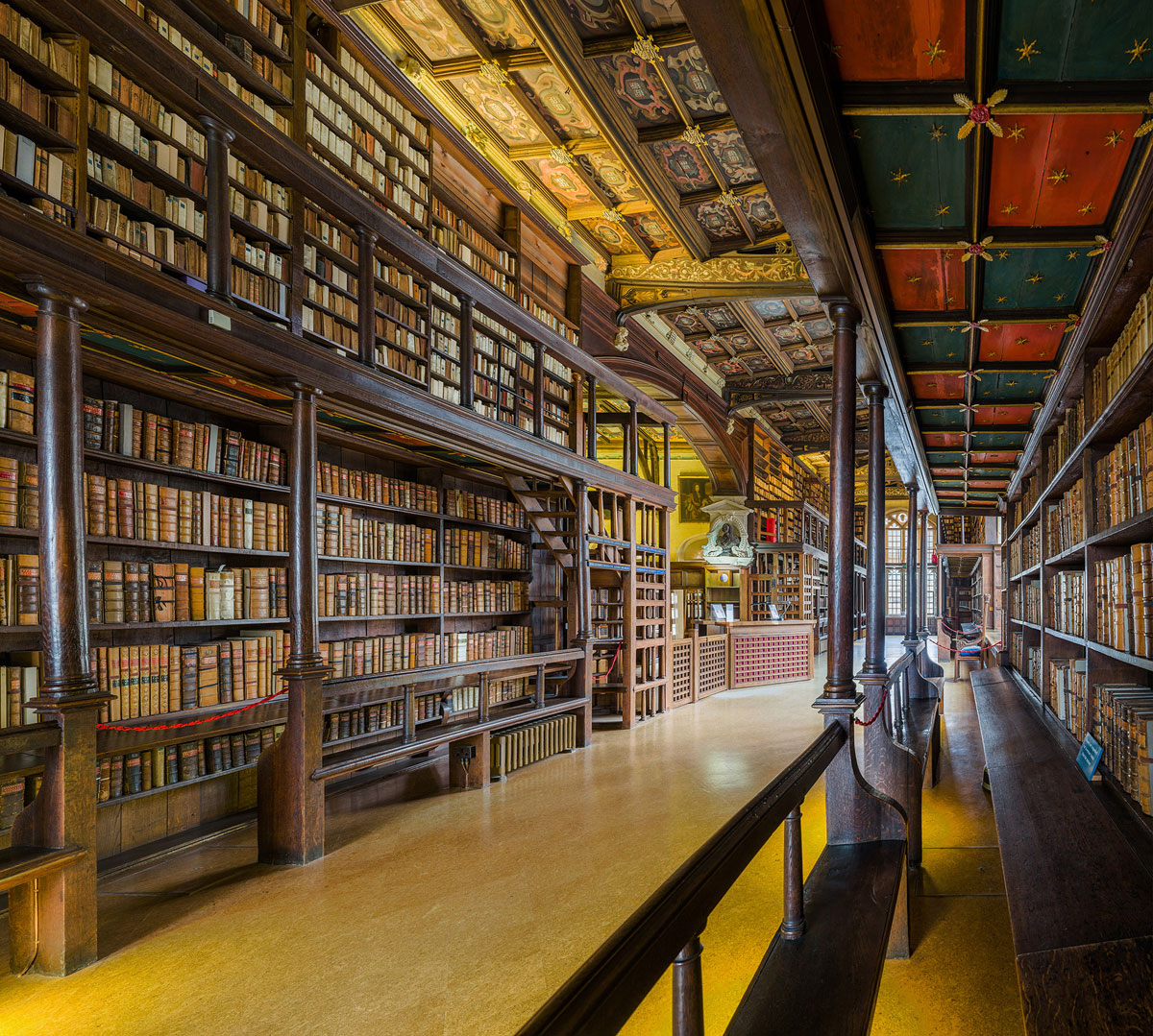duke humfreys library bodleian libary university of oxford by david iliff 3 This Reading Room at the University of Oxford is One of the Oldest in Europe