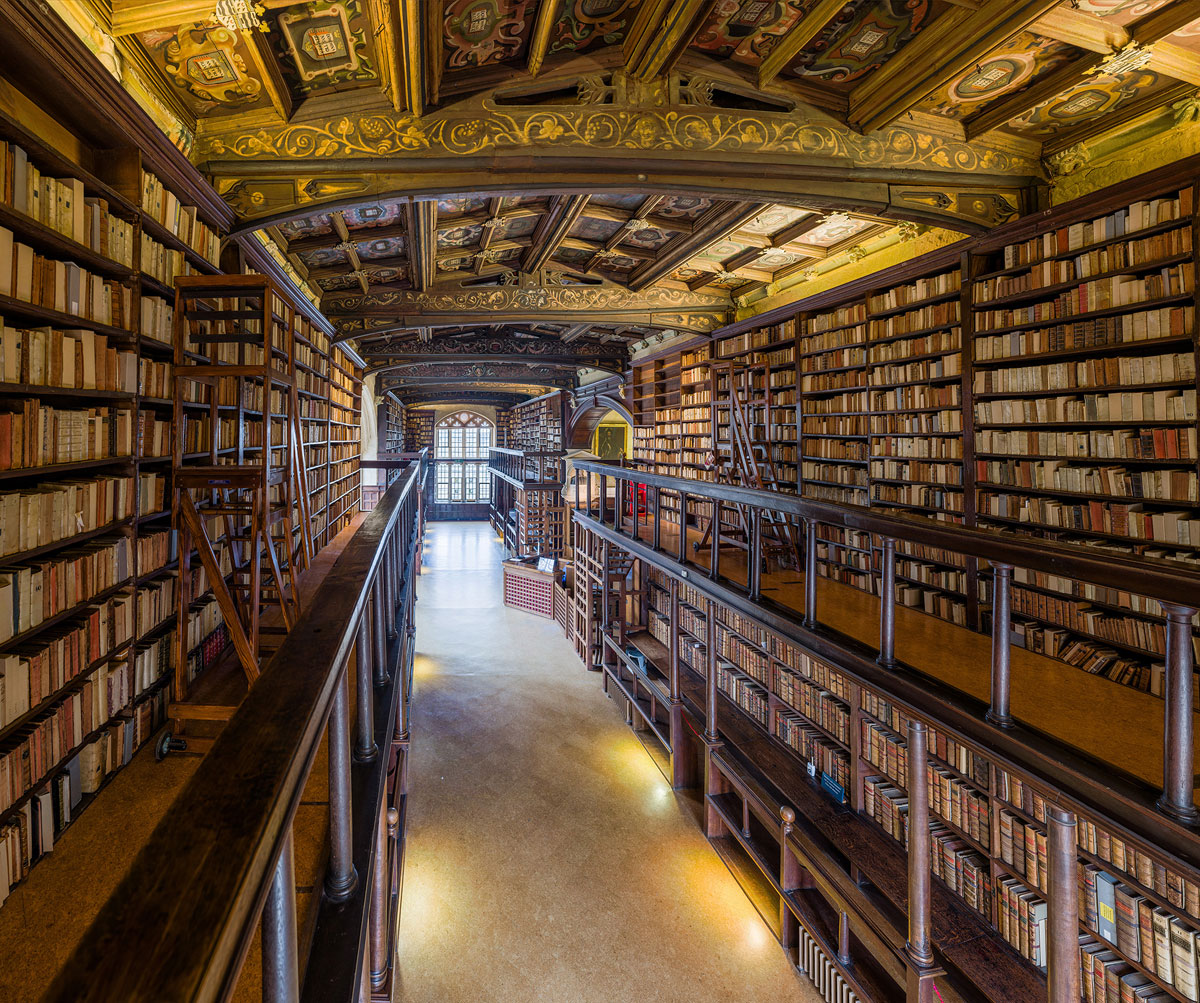 duke humfreys library bodleian libary university of oxford by david iliff 4 This Reading Room at the University of Oxford is One of the Oldest in Europe
