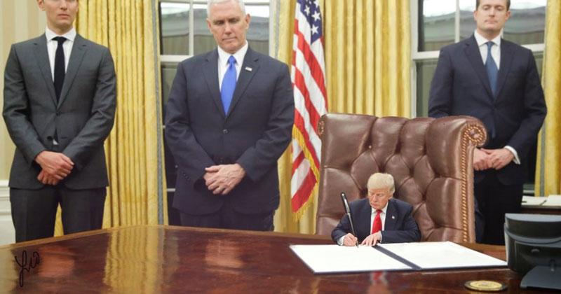 tiny trump meme photoshop reddit 2 Tiny Trump is What the World Needs Right Now