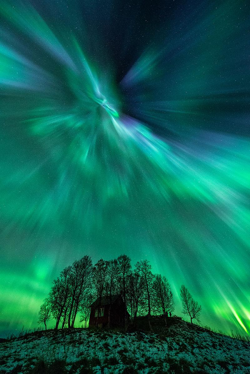 33 best auroras nasa has ever featured 21 The 33 Best Aurora Photos NASA Has Ever Featured