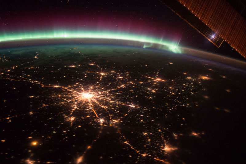 33 best auroras nasa has ever featured 29 The 33 Best Aurora Photos NASA Has Ever Featured