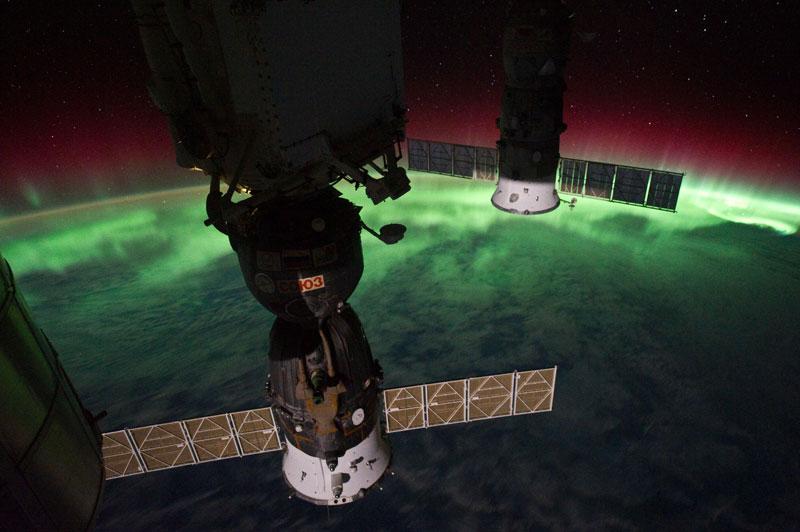 33 best auroras nasa has ever featured 9 The 33 Best Aurora Photos NASA Has Ever Featured