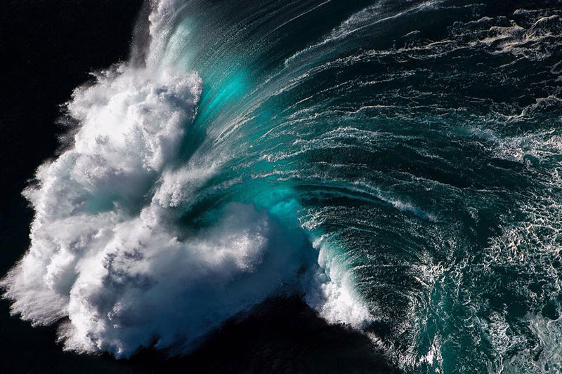 ray collins wave photos 3 Ray Collins Captures Waves Like Youve Never Seen Them Before (24 Photos)