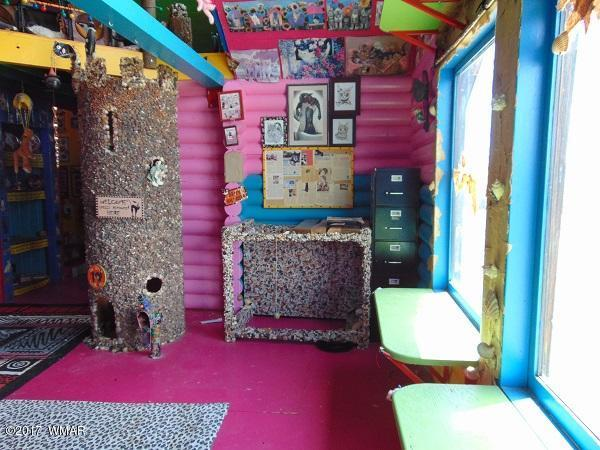 craziest cat house ever stanford concho arizona 12 Inside this Unassuming Log Cabin is the Craziest Cat House You Will Ever See