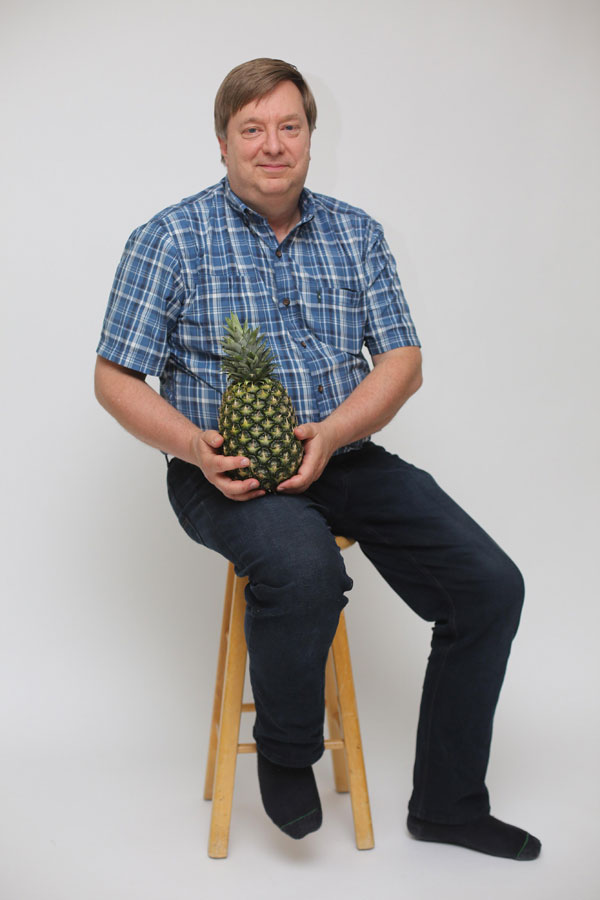 dad with pineapple meme reddit 6 Proud Dad Posing with a Pineapple He Grew Goes Viral and the Photoshops are Hilarious