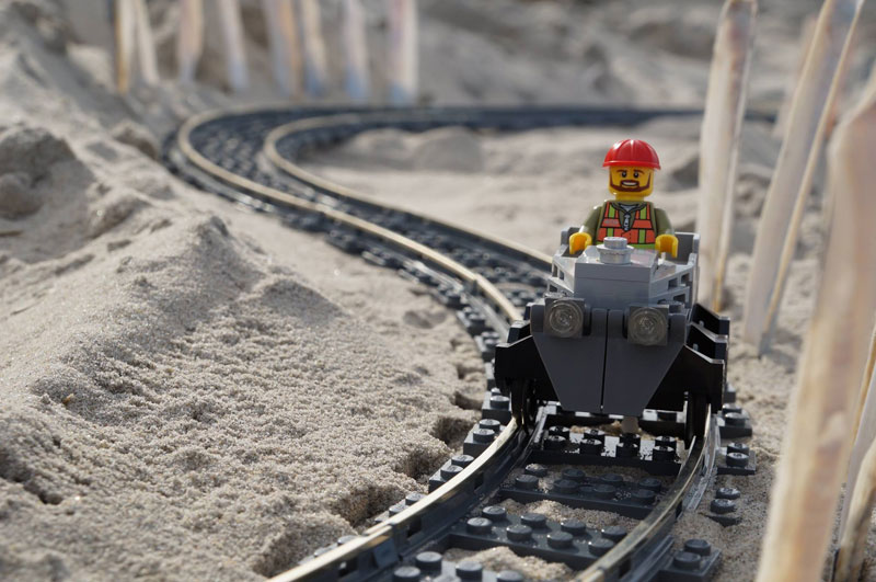 lego sand roller coaster by 5 mad movie makers 1 This Lego Sand Roller Coaster on the Beach is Awesome