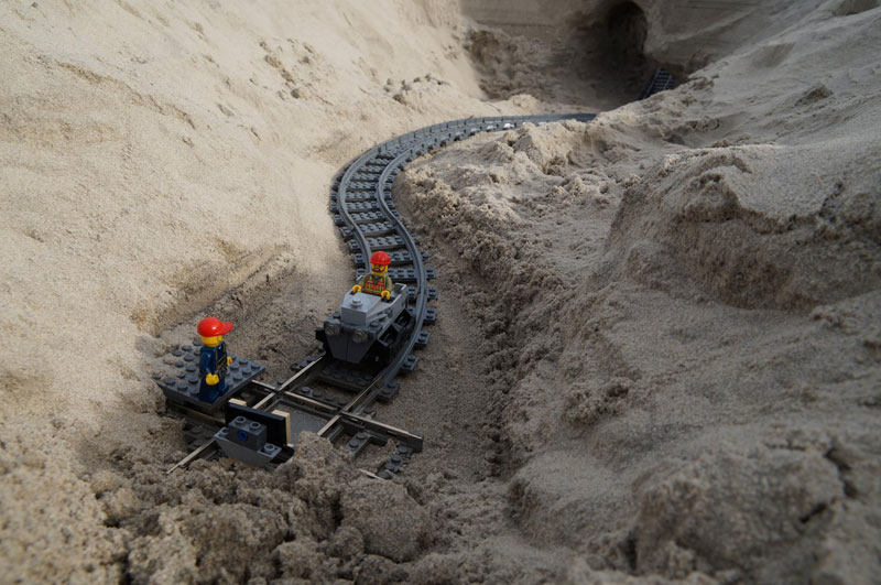 lego sand roller coaster by 5 mad movie makers 3 This Lego Sand Roller Coaster on the Beach is Awesome