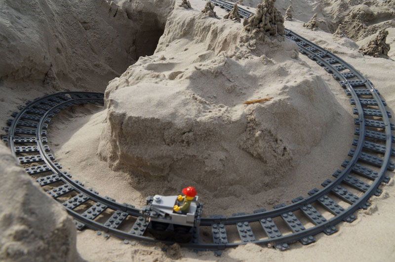 lego sand roller coaster by 5 mad movie makers 6 This Lego Sand Roller Coaster on the Beach is Awesome