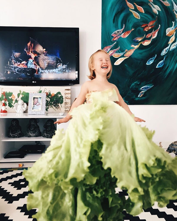 mom and daughter make dresses with food flowers and forced perspective 2 Mom and Daughter Make Dresses with Flowers, Food and Forced Perspective