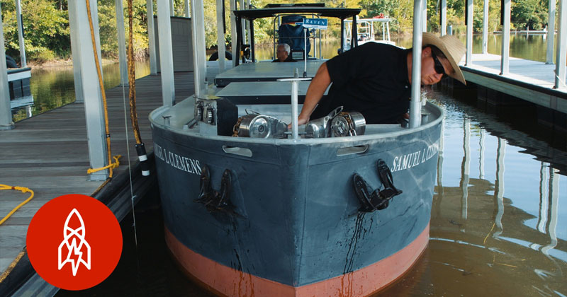 There's a Driver's Ed for Supertankers Where You Practice on Scale Model Ships 1/25th the Size