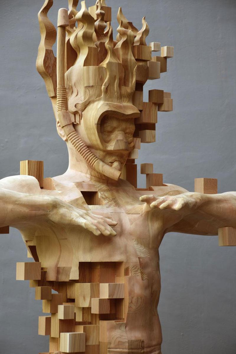 glitch wood carving pixelated snorkeler by hsu tung han 6 Glitch Wood Carving: Pixelated Snorkeler by Hsu Tung Han