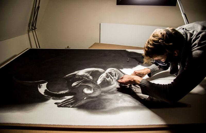 hyper realistic pencil drawings by jono dry 1 These Giant Pencil Drawings by Jono Dry are INSANE