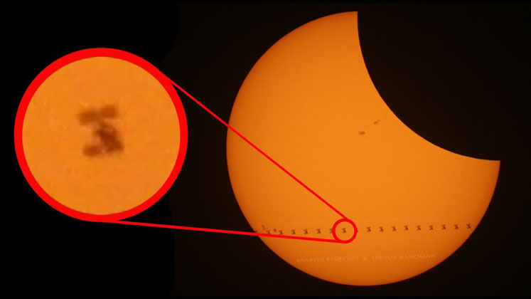 Smarter Every Day Got Amazing Footage of the ISS Transiting the Sun During the Eclipse