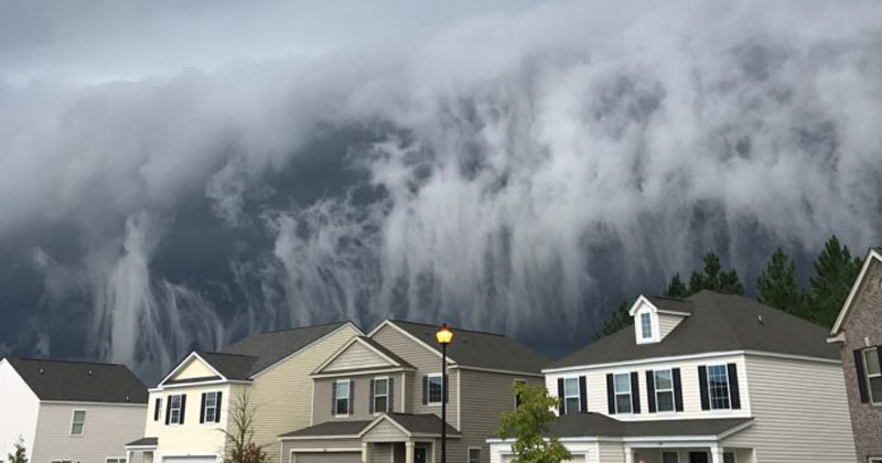 storm cloud in georgia looks like tsunami in the sky by johanna hood 1 Storm Cloud in Georgia Looks Like Tsunami in the Sky