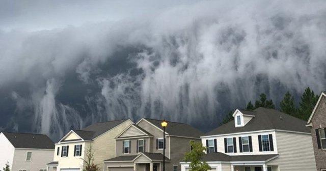 Storm Cloud In Georgia Looks Like Tsunami In The Sky Twistedsifter