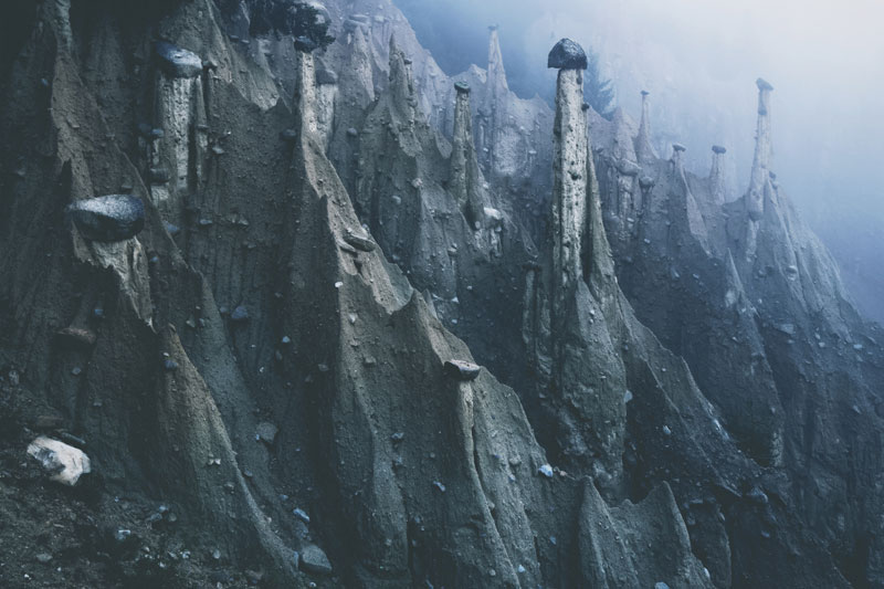 earth pyramids of south tyrol kilian schonberger otherworld 2 The Earth Pyramids of Italy: Where Boulders Perch Atop Pillars of Clay