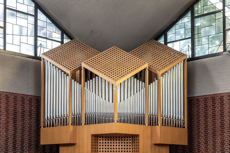 pipes by robert gotzfried 10 An Ongoing Photo Series Dedicated to the Beautiful Designs of Organ Pipes