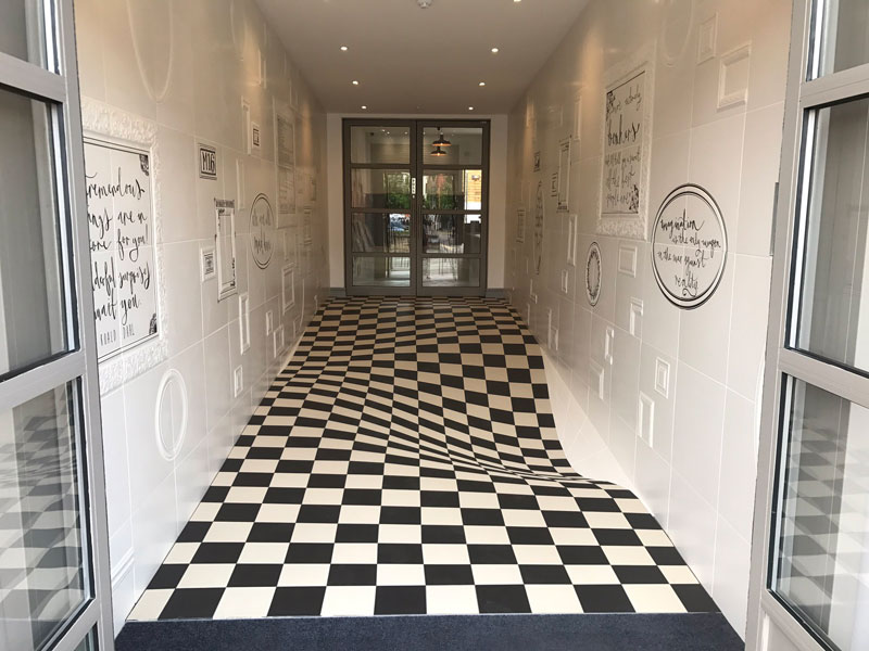 trippy flat floor entrance to casa ceramica tiles 2 A Completely Level Floor Made from 400 Individual Ceramic Tiles