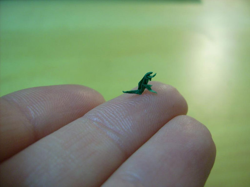 miniature origami with toothpicks by anja markiewicz 2 Paper Artist Uses Toothpicks to Fold Impossibly Small Origami