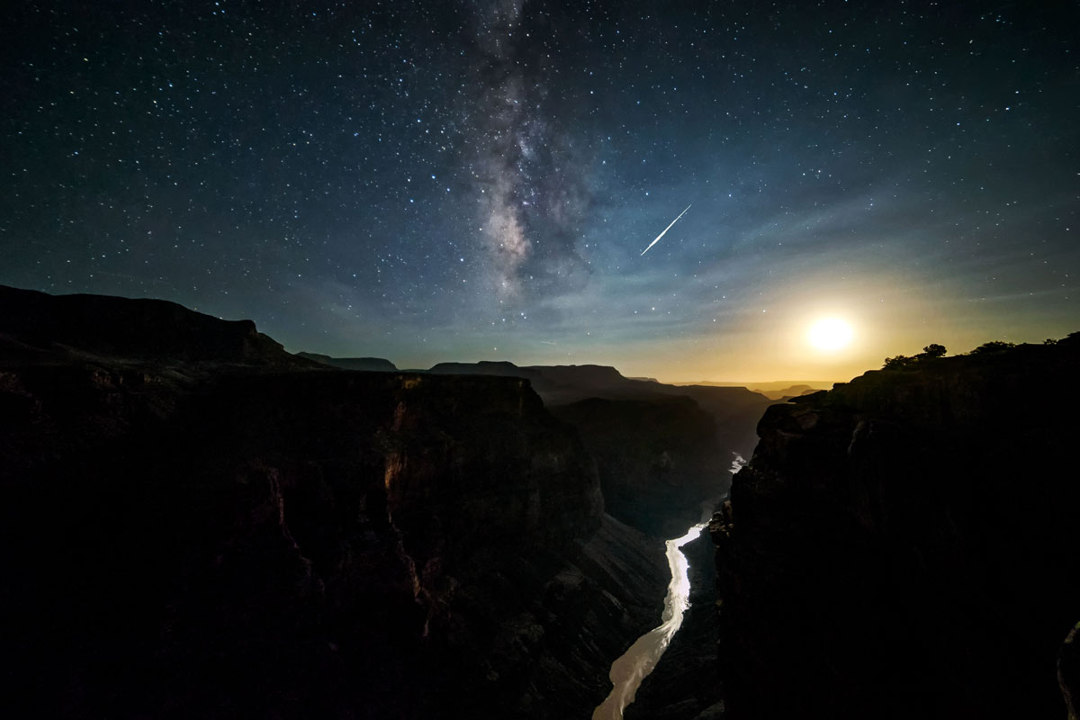 skyglow project harun mehmedinovic kaibab requiem 7 Amazing Things Happen at the Grand Canyon and this Timelapse Captures Them Beautifully