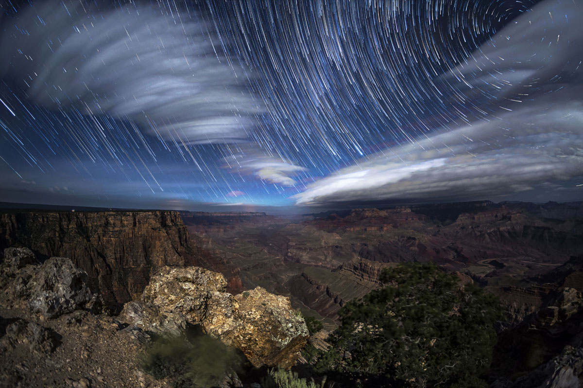 skyglow project harun mehmedinovic kaibab requiem 9 Amazing Things Happen at the Grand Canyon and this Timelapse Captures Them Beautifully