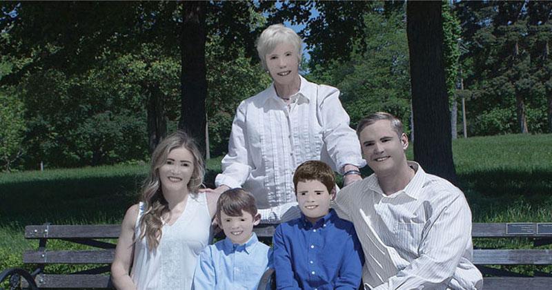Family Photo Shoot Goes Horribly Wrong