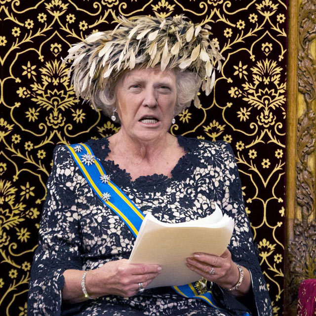 photoshopping trumps face onto the queens 50 This Woman Cant Stop Photoshopping Trumps Face Onto the Queens (Top 50)