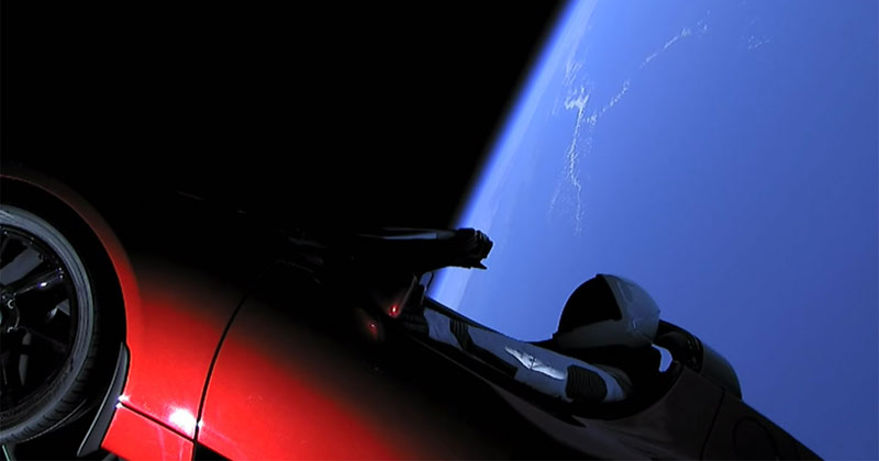 SpaceX Just Launched the World's Most Powerful Rocket and Sent a Tesla to Mars