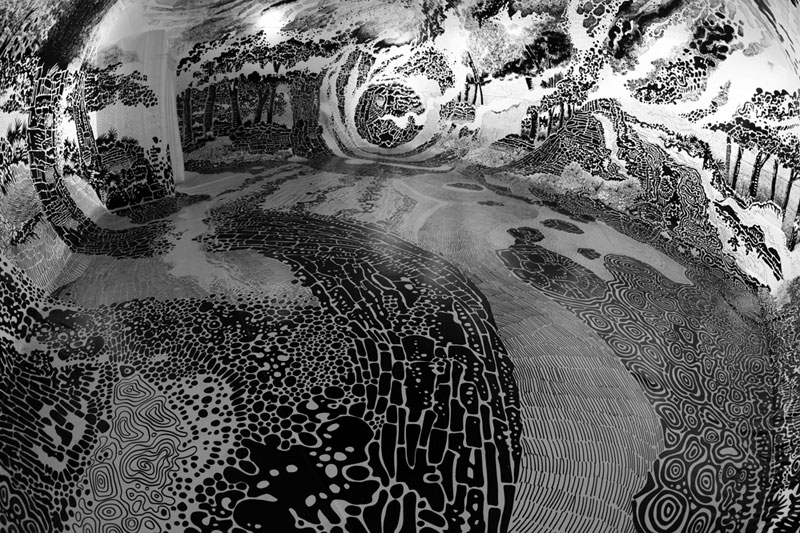 oscar oiwa uses 120 sharpies to create giant 360 drawing inside inflatable balloon 4 Artist Uses 120 Sharpies to Create Giant 360 Drawing Inside Inflatable Balloon