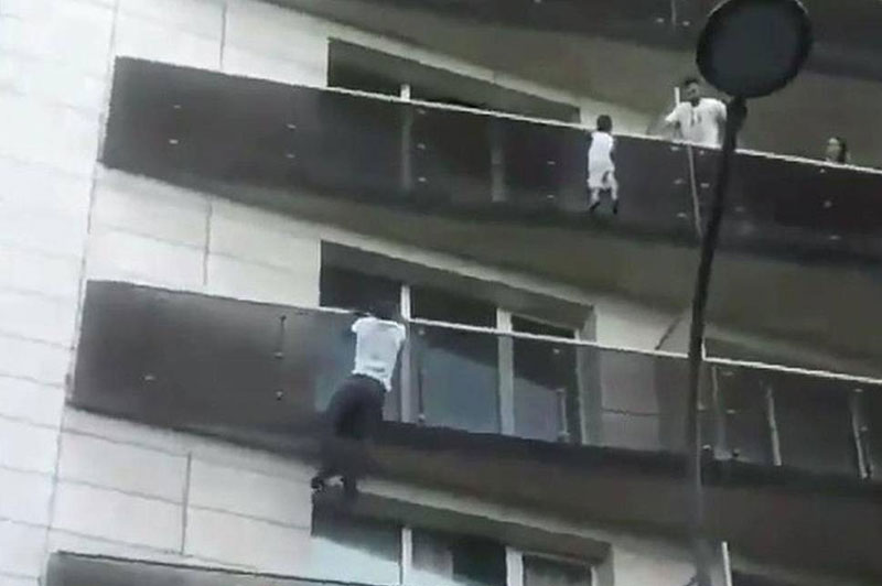 guy risks life and deportation to save baby dangling off 4th floor balcony 4 Guy Risks Life and Deportation to Save Baby Dangling Off 4th Floor Balcony