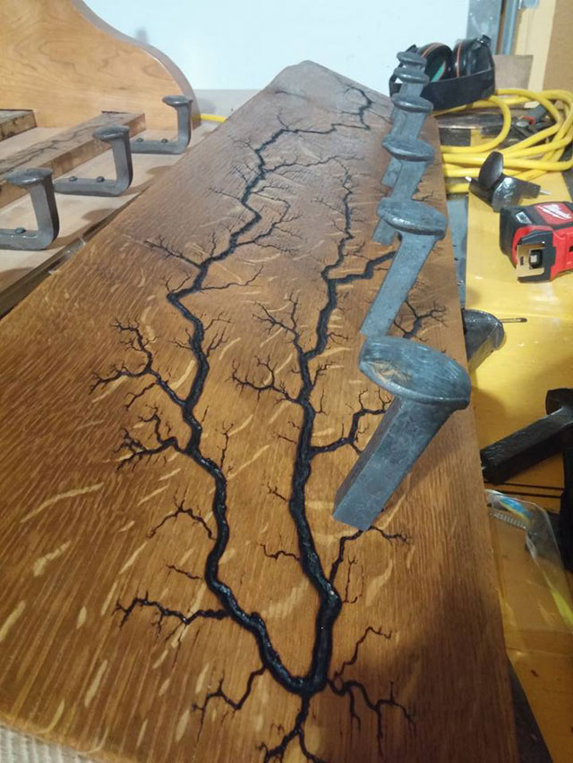 this artist burns fractals into wood and then turns it into furniture 1 This Artist Burns Fractals Into Wood and Then Turns It Into Furniture