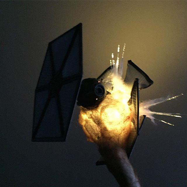 exploding model star wars ships using cotton balls and leds 2 Exploding Model Star Wars Ships Using Cotton Balls and LEDs