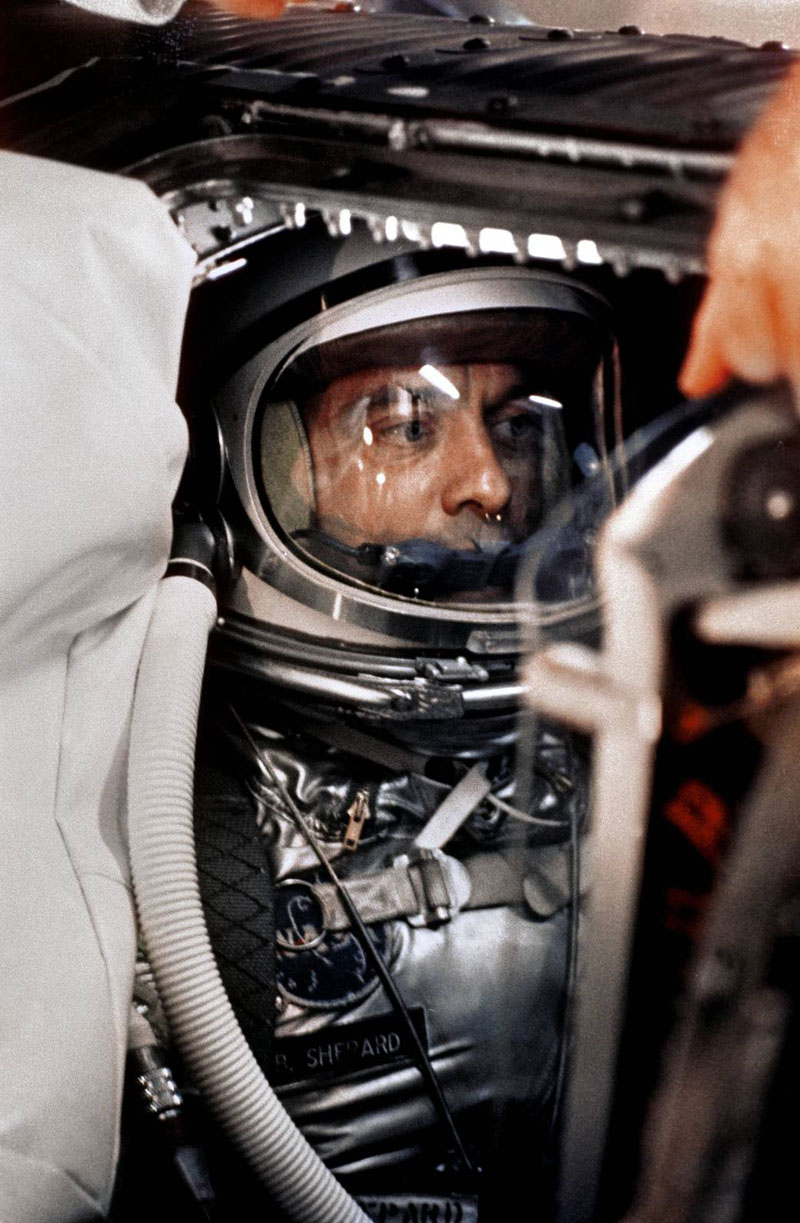 astronaut moon golf alan shepard 1 The Only Person To Ever Golf on the Moon